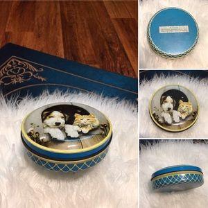 🦋2/$10 3/$15 4/$18 5/$20 Vintage Horner & Co Tin